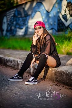 60 ideas book urbano for 2019 Daily Fashion, Fashion Photo, Foto Top, Book 15 Anos, Gangster Girl, Casual Wear Women, You Look Beautiful, Poses For Pictures, Insta Photo Ideas