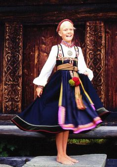 Norsk Folkemuseum - Fotograf Reinsfelt, Anne-Lise Traditional Fashion, Traditional Dresses, Folk Costume, Costumes, Visit Norway, Thinking Day, Medieval Dress, Beautiful Children, Armoire
