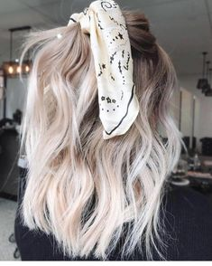 Bouncy Waves - 40 Ash Blonde Hair Looks You'll Swoon Over - The Trending Hairstyle Blonde Wig, Short Blonde, Pretty Blonde Hair, Blonde Hair Scrunchie, Dying Hair Blonde, Blonde Hair With Color, Ash Blonde Balayage Short, Cool Toned Blonde Hair, Ash Blonde Hair With Highlights