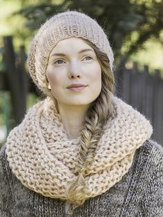 Stickad mössa och loop Novita Lehto | Novita knits