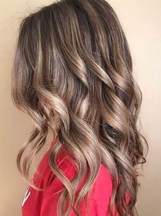 love this natural looking bronde hair color