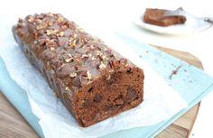 Sinner Sunday: Rolo karamelcake, heerlijke cake met stukjes chocolade en pecannoten. #sinner #zoet #baksel