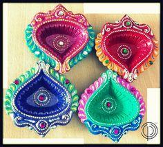 Colorful Diyas at Pakiza for Diwali. Diya Decoration Ideas, Diy Diwali Decorations, Festival Decorations, Flower Decorations, Diwali Diya, Diwali Craft, Diya Designs, Rangoli Designs, Diwali Lamps