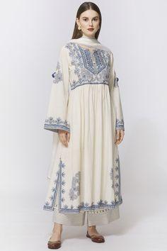 Casual Indian Fashion, Pakistani Fashion Party Wear, Indian Fashion Dresses, Indian Designer Outfits, Pakistani Outfits, Indian Outfits, Stylish Dresses For Girls, Stylish Dress Designs, Designs For Dresses