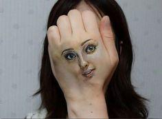 Tá na cara que naum é o rosto dela...
