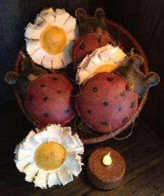 Primitive Ladybugs and Daisies Bowl Fillers