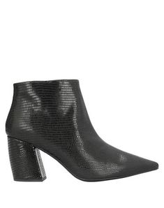 Leather Printed leather No appliqués Solid color Zip Narrow toeline Cuban heel Leather lining Rubber sole Contains non-textile parts of animal origin Black Ankle Boots, Jeffrey Campbell, Cuban, World Of Fashion, Luxury Branding, Leather Boots, Shoe Boots, Booty, Zip