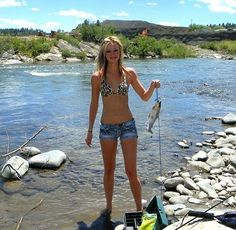 Trout fishing is more enjoyable with a good fishing partner. Have extra gear re. Trout fishing is more enjoyable with a good fishing partner. Have extra gear ready so your girl can come fishing with Fly Fishing Girls, Fly Fishing Basics, Best Fishing Kayak, Trout Fishing Lures, Women Fishing, Fishing Rod, Bikini Fishing, Happy Fishing, Fishing Bait