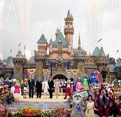 Disneyland Sleeping Beauty Castle 50th anniversary | Disneyland 50th anniversary pictures- Castle photo from Disneyland's ...