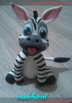 Baby Zebra In love with my one baby zebra :P Fondant Animals, Clay Animals, Polymer Clay Figures, Polymer Clay Projects, Madagascar Cake, Baby Wild Animals, Lovely Tutorials, Cake Topper Tutorial, Baby Zebra