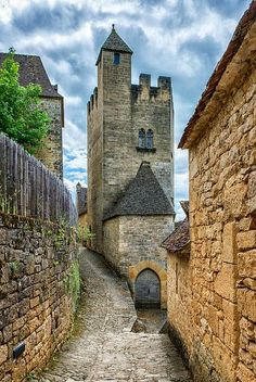 A Narrow Road to the Castle (Château de Beynac, France)