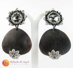 Videos, Handmade Jewelry, Sottile, Drop Earrings, Artists, Drop Earring, Handmade Jewellery, Chandelier Earrings, Craft Jewelry