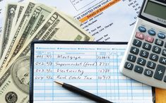 creating a household budget and paying bills with checks Best Bank Accounts, Savings Accounts, Divas, Digital Wallet, Household Budget, Improve Your Credit Score, Making A Budget, Budgeting