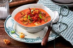 """Tomatensuppe """"weniger ist mehr"""" Rezept   LECKER Allrecipes, Thai Red Curry, Food And Drink, Cooking, Ethnic Recipes, Fitness, Baby, Budget Cooking, Spicy Soup"""