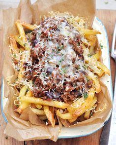 Chilli Cheese Fries with Gran Luchito - nicht ganz das AR Rezept, aber die Idee ist dieselbe. Nur im Ofen überbacken ;)