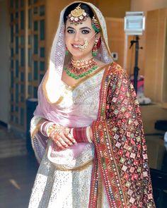 Indian Fashion Trends, Indian Fashion Dresses, Indian Designer Outfits, Beautiful Pakistani Dresses, Pakistani Dresses Casual, Asian Wedding Dress, Wedding Dresses For Girls, Indian Look, Dress Indian Style