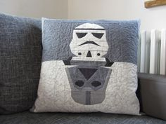 Quilt it out - Darth Vader - Stormtrooper - Star Wars - Pillow made with: Robert Kaufman - Carolyn Friedlander - Botanics