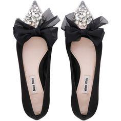 BALLERINA (3.120 RON) ❤ liked on Polyvore featuring shoes, flats, miu miu, ballet flats, bow shoes, cap toe ballet flats and embellished ballet flats