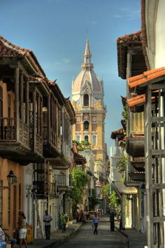 There is 'Love in the Time of Cholera' in Cartagena, all within Gabriel García Márquez's imagination. #VCFAwriting #VCFA