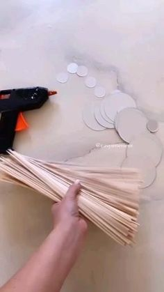 Diy Room Decor Videos, Diy Crafts For Home Decor, Craft Room Decor, Homemade Home Decor, Diy Crafts Hacks, Diy Crafts For Gifts, Diy Arts And Crafts, Creative Crafts, Diy Decorations For Home