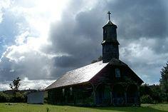 Iglesia Colo, Chiloe Iglesias, Cabin, House Styles, Home Decor, Viajes, Lugares, Cabins, Cottage, Interior Design