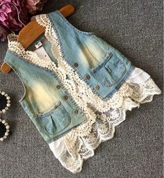 prom dresses vintage Denim and Lace Vest Denim and Lace Vest Denim And Lace, Diy Fashion, Ideias Fashion, Autumn Fashion, Petite Fashion, Curvy Fashion, Gilet Jeans, Denim Vests, Denim Jackets