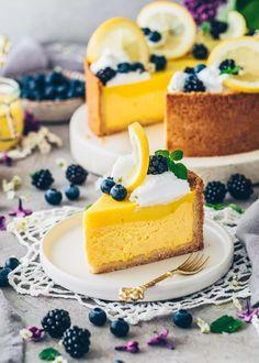 Vegan Lemon Cheesecake Pie Recipes, Dessert Recipes, Lemon Cheesecake, Lemon Curd, Vanilla Cake, Healthy Eating, Vegan, Healthier Desserts, Food