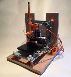Projet ludique Arduino : recycler 2 lecteurs de DVD en mini traceur (CNC Plotter). Eléments mécaniques par impression 3D. Moteurs pilotés par L293D
