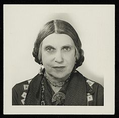 Citation: Beatrice Wood, 195-? / unidentified photographer. Beatrice Wood papers, Archives of American Art, Smithsonian Institution.