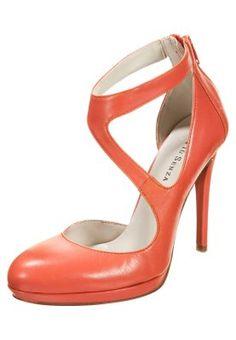 Mit diesem High Heel gelingen dir zauberhafte Outfits. Mai Piu Senza Pumps - new peach für 99,95 € (03.02.15) versandkostenfrei bei Zalando bestellen.