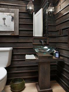 Great Badezimmer Ohne Fliesen Gestalten Dunkle Holzverkleidung Für Mehr Wärme