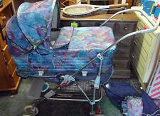 Vintage Retro Silver Cross Pram and Pushchair Vintage Pram, Retro Vintage, Silver Cross Prams, Prams And Pushchairs, Baby Buggy, Baby Carriage, Childhood Toys, Baby Strollers, Memories