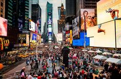 2.-dont-waste-time-in-times-square 15 Things Not To Do In New York
