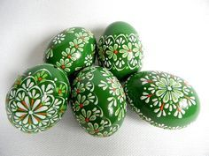 Set of 5 Green Hand Decorated Colours Painted Chicken Easter Egg, Traditional Slavic Wax Pinhead Chicken Egg, Kraslice, Pysanka