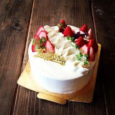 今日の誕生日ケーキは…  シンプルな苺ショート꒰*´∀`*꒱ バタバタでお返事遅れていてすみません…>_< - @sol_xxx- #webstagram