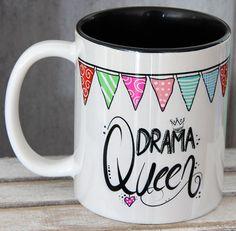 Tazas y tazas - tazas, tazas, diciendo taza - un producto único de T . - Y tazas – Tazas, tazas de cocina, diciendo taza – hecho a mano por Cups-Gifts-by-MySweetheart en - Sharpie Crafts, Sharpie Art, Pottery Painting, Ceramic Painting, Marble Mugs, Hand Painted Mugs, Paint Your Own Pottery, Joelle, Diy Mugs