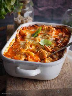 Tortellini zapiekane w sosie bolońskim / Bolognese tortellini bake Tortellini Bake, Main Meals, Kids Meals, Macaroni And Cheese, Food Porn, Food And Drink, Cooking Recipes, Yummy Food, Lunch