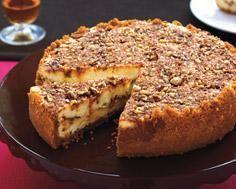 cinnamon bun cheesecake