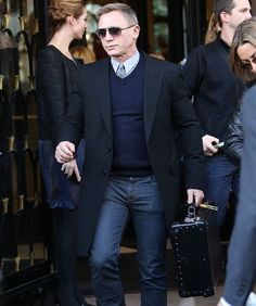 Mr Bond #DanielCraig looking good here #royal [ http://ift.tt/1f8LY65 ]