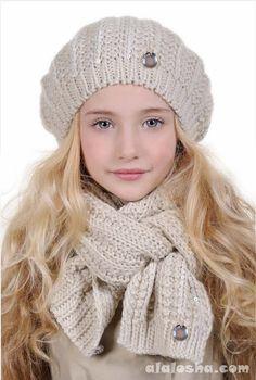 ALALOSHA: VOGUE ENFANTS: Laura Biagiotti FW'14 Hats collection for little Dolls