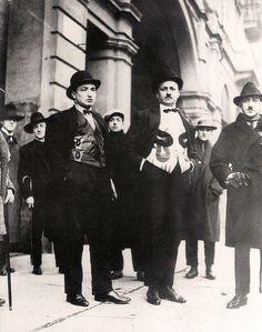 FOTO DEL GIORNO - Ritratto di gruppo per Der Blaue Reiter: da sinistra a destra: Maria e Franz Marc, Bernhard Koehler, Wassily Kandinsky, Heinrich Campendonk e Thomas von Hartmann. Monaco, 1911-12