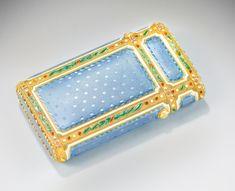 A Fabergé enamelled gold cigarette case, workmaster Michael Perchin, St Petersburg, circa 1895 | lot | Sotheby's