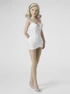 """2010 DeeAnna Denton™ Basic – Platinum, LE 500, SKU: T10DDBD01, 17"""" Athletic Body w/ Brown Eyes, Tonner Doll Company"""