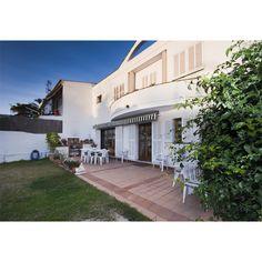Chalet diseñado por un arquitecto de renombre, con una superficie de 200 m2 más 150 m2 de jardín. Coll d'en Rabassa, #Mallorca. 385.000€