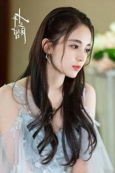 Beautiful Girl Image, Beautiful Asian Women, Alia Bhatt Hairstyles, Indian Bollywood Actress, Good Looking Women, Cute Beauty, Cute Asian Girls, Girls Dpz, Asian Beauty