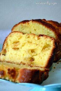 Ciasto jogurtowe z jabłkami - #ciasto #jabłkami #jogurtowe Apple Recipes, Sweet Recipes, Hungarian Cake, Apple Pie Bars, Different Cakes, Polish Recipes, Something Sweet, Sweet Bread, Cakes And More