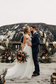 Winterhochzeit in Österreich #weddinginaustria #hochzeitinösterreich #hochzeitsideen #winterhochzeit Bridesmaid Dresses, Wedding Dresses, Boho, Fashion, Bridesmaids, Dress Wedding, Red Accents, Bridesmade Dresses, Bride Dresses