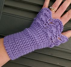 Ravelry: Arm Warmers pattern by Candace's Closet