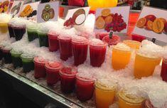 Uma visita ao mercado La Boqueria - sucos naturais no gelo para vencer o calor.   Nessa minha viagem para Barcelona (Espanha) conheci alguns lugares e dou algumas dicas que valem a visita.