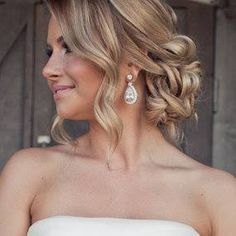 Romantic curly up do for medium length hair
